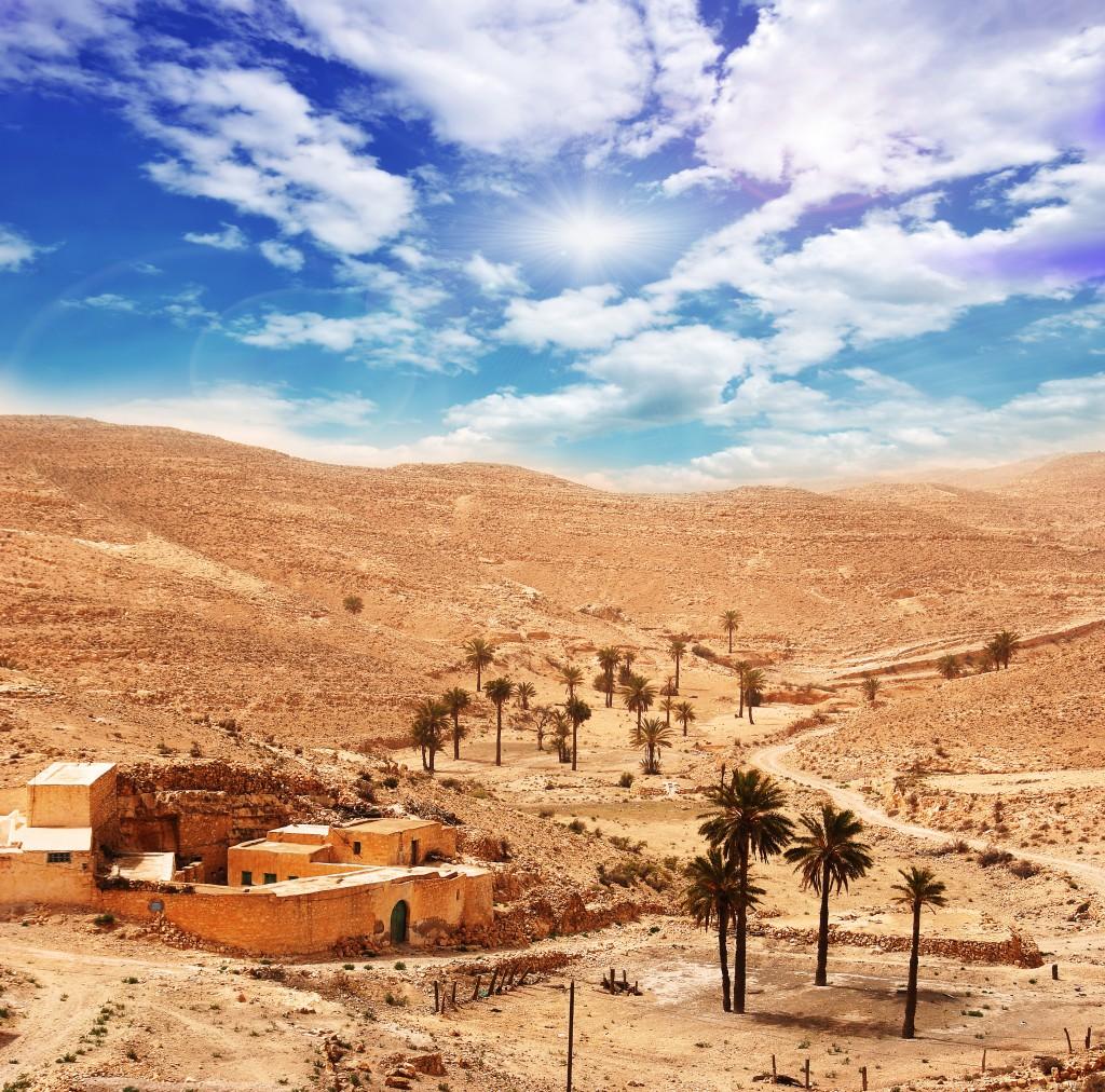 Sahara: Dorf in der Sandwüste